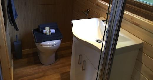Eco Lodge Shower Room