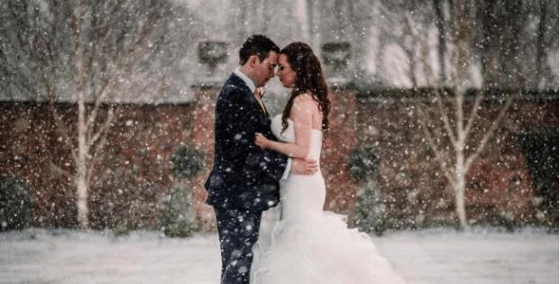 Snow at Colshaw Hall